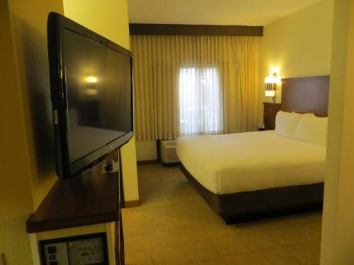 Hyatt Place Indianapolis Airport photo 2