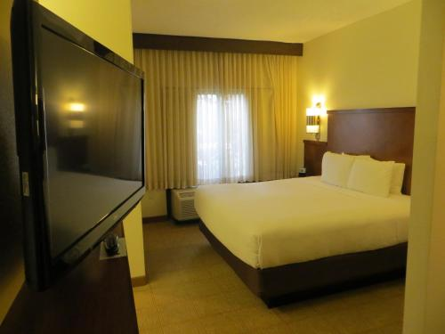 Hyatt Place Indianapolis Airport photo 19
