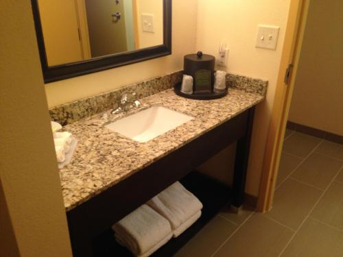 Holiday Inn Express Augusta Downtown Photo