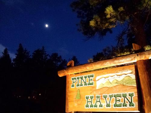 Pine Haven Resort Photo