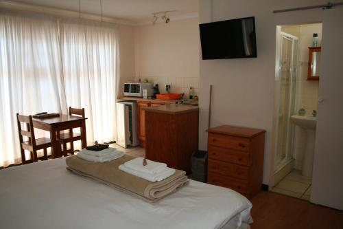 5 Third Avenue Guesthouse Photo