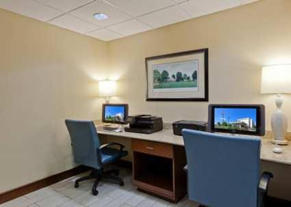 Hampton Inn Charlottesville Photo