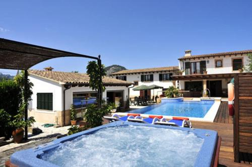 http://www.booking.com/hotel/es/morell-vell.html?aid=1728672