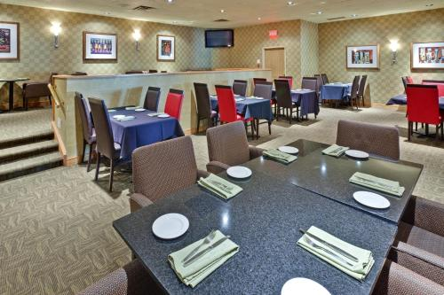 Holiday Inn Cambridge Hespeler Galt Photo