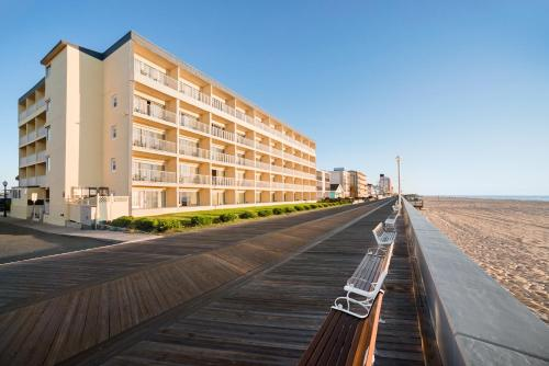 Howard Johnson Inn Ocean City Oceanfront Photo