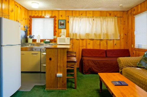 Pine Cone Resort 318 Photo