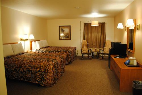 Camp Inn Lodge Photo