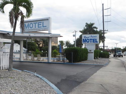 Royal Palms Motel Photo