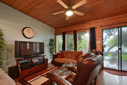 Chill with a View by TurnKey Vacation Rentals - Austin, TX 78704