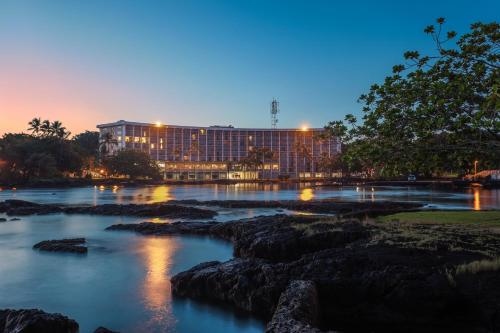 Castle Hilo Hawaiian Hotel Photo