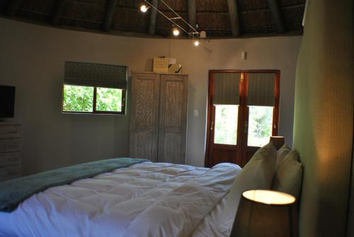 Roundhouse Guesthouse Photo