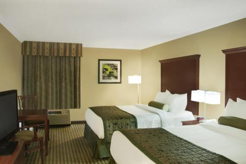 Best Western PLUS Liverpool Grace Inn and Suites Photo