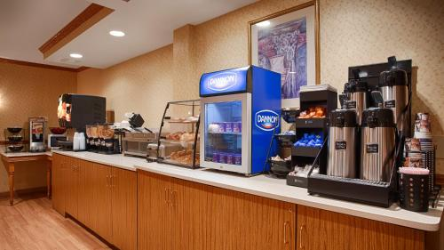Best Western Crown Inn & Suites - Batavia Photo