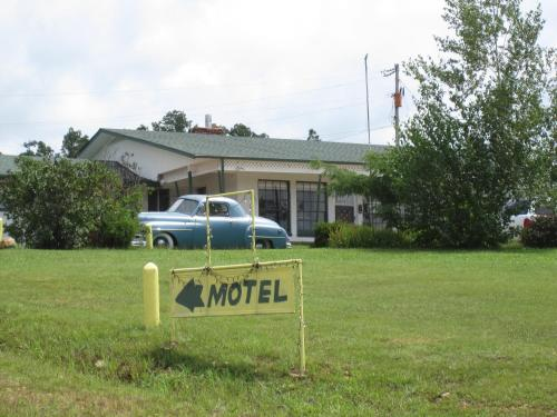 Frontier Motor Lodge Photo