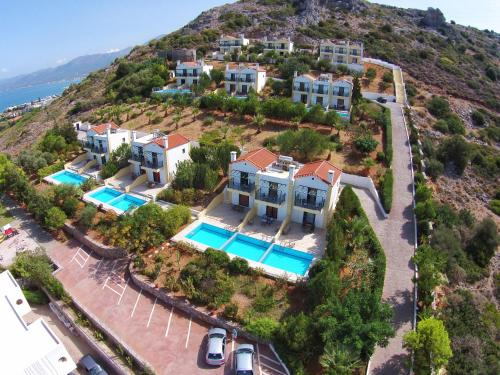 Golden Villas - Hotel Apartments & Villas - Drapanos Greece