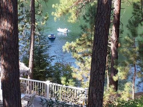 River Cove Elegant Waterfront Bed & Breakfast Photo