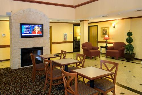 Best Western Alamo Suites Downtown - San Antonio, TX 78204