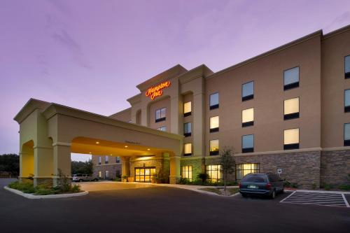 Photo of Hampton Inn Uvalde