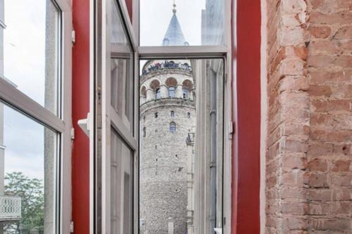 Istanbul Antique Flat Next to Galata Tower taxi