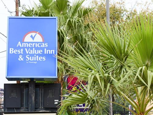 Americas Best Value Inn and Suites Houston FM 1960 Photo