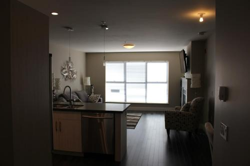 Gibsons Way Executive Suite Photo