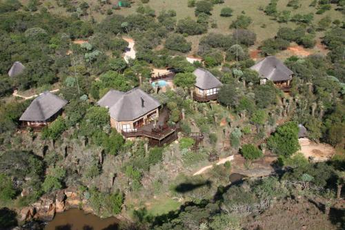 Iwamanzi Game Lodge Photo