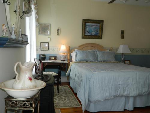 EJ Bowman House Bed & Breakfast Photo