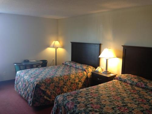 Econo Lodge - Burlington Photo