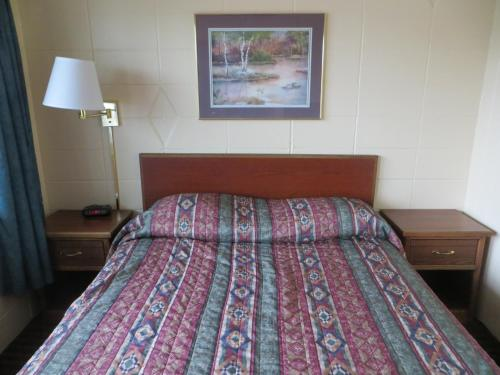 Deluxe Inn/Extended Stay - Council Bluffs