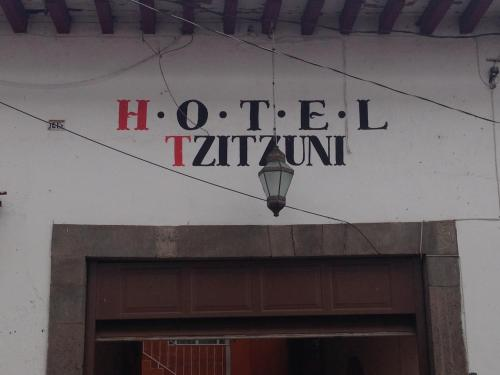 Hotel Tzintzuni Photo