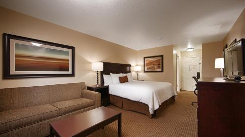 Best Western PLUS Cotton Tree Inn Photo