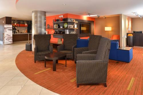 Courtyard by Marriott Denver Cherry Creek photo 12