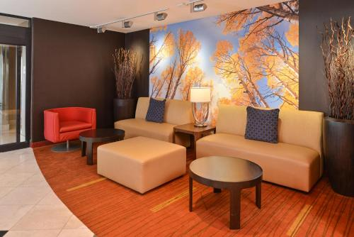 Courtyard by Marriott Denver Cherry Creek photo 13