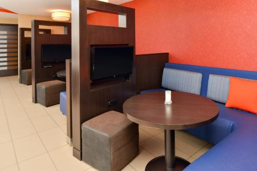 Courtyard by Marriott Denver Cherry Creek photo 15