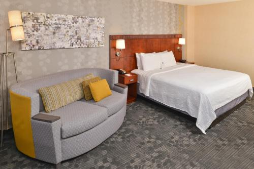 Courtyard by Marriott Denver Cherry Creek photo 23