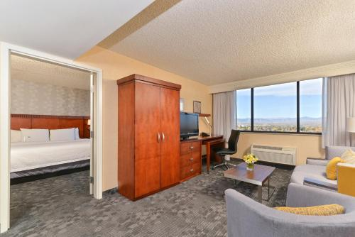 Courtyard by Marriott Denver Cherry Creek photo 25