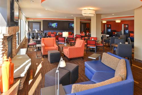 Courtyard by Marriott Denver Cherry Creek photo 37