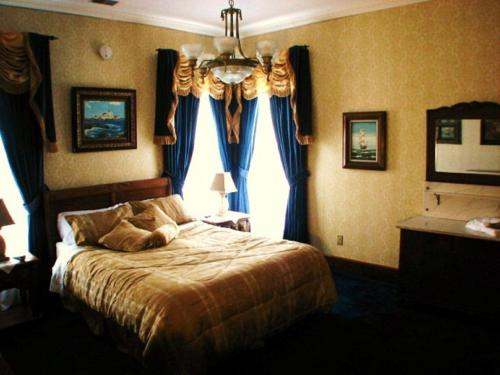 Herrold on Hill Bed and Breakfast Photo