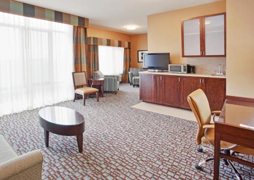 Holiday Inn Express Salinas Photo