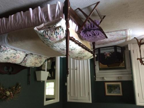 Richmond Manor Bed & Breakfast Photo