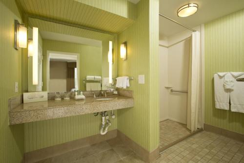 Homewood Suites by Hilton Alexandria Photo
