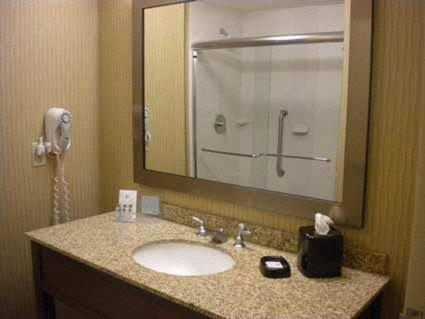 Hampton Inn & Suites Cincinnati / Uptown - University Area Photo