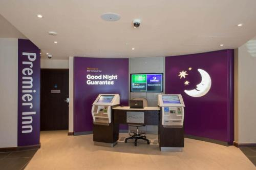 Premier Inn London Hendon - The Hyde photo 3