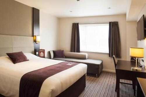 Premier Inn London Hendon - The Hyde photo 12
