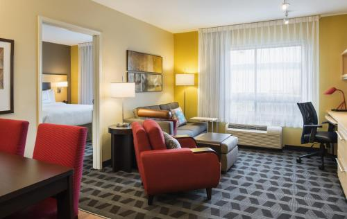 TownePlace Suites by Marriott Red Deer Photo