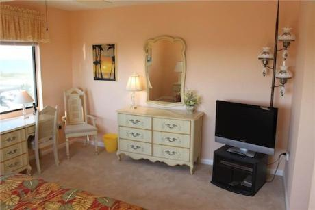 Sandarac B611 By Vacation Rental Pros In Fort Myers Beach