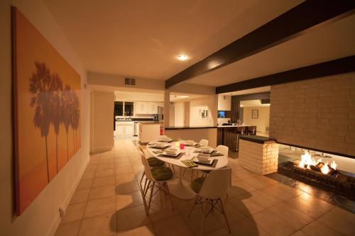 The Wexler House - Palm Springs, CA 92264