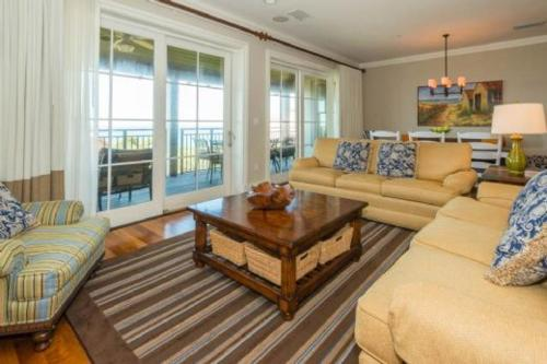 WaterHouse Three Bedroom Condominium Residence I Photo