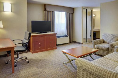 Holiday Inn Hotel & Suites London Photo