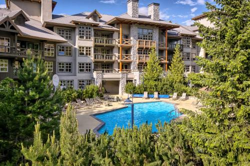 Гостиница «The Coast Blackcomb Suites At Whistler», Уистлер